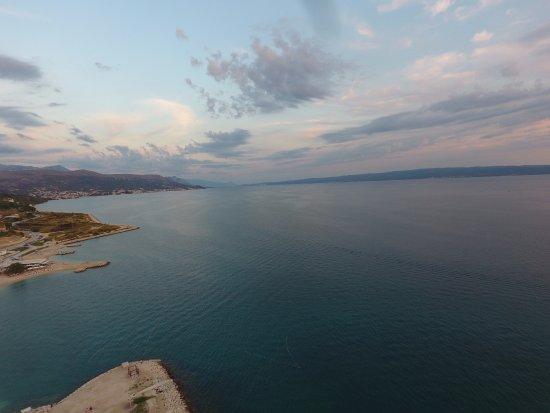 Hotel More: Dronenbild: Blick aufs Meer