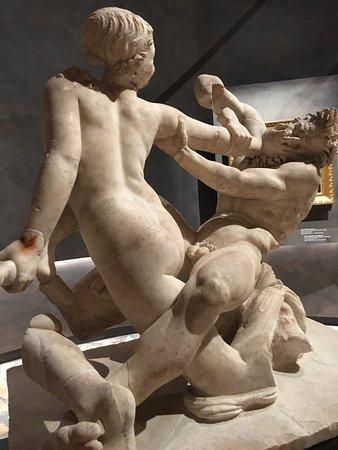 写真ナポリ国立考古学博物館枚