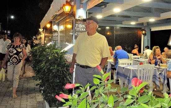 Zorbas Taverna: from outside