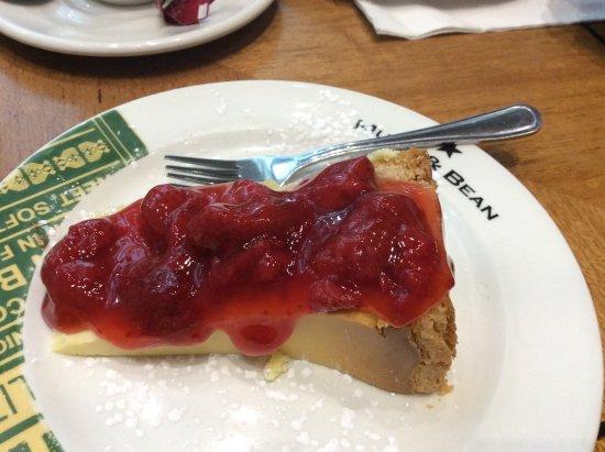 Mugg and Bean: Half portion cheesecake