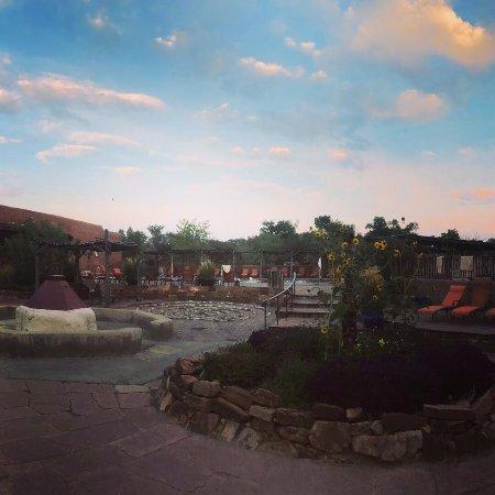 Όχο Καλιέντε, Νέο Μεξικό: Sunset over Ojo Caliente