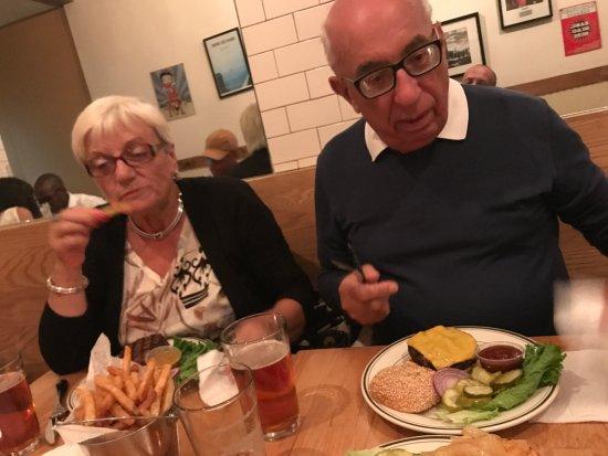 Island Burgers and Shakes : panino ad hoc x i miei vecchietti!