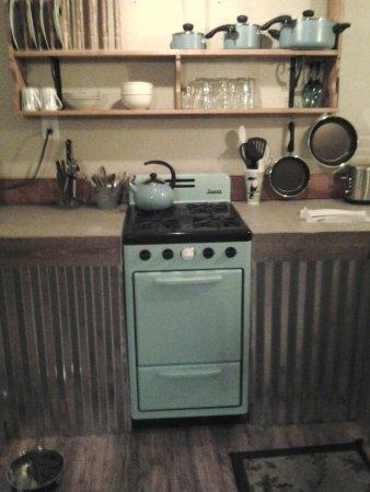 Cloudcroft, NM: Quaint kitchenette! Room #3