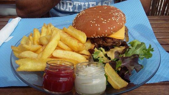 Le Cabanon: Burger