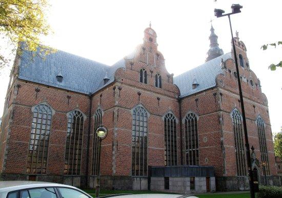 Kristianstad, Svezia: den imponerende kirkebygning