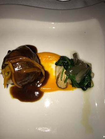 Pan y Vino: Slow braised beef