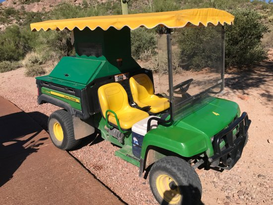 Gold Canyon, AZ: A John Deer Beverage cart