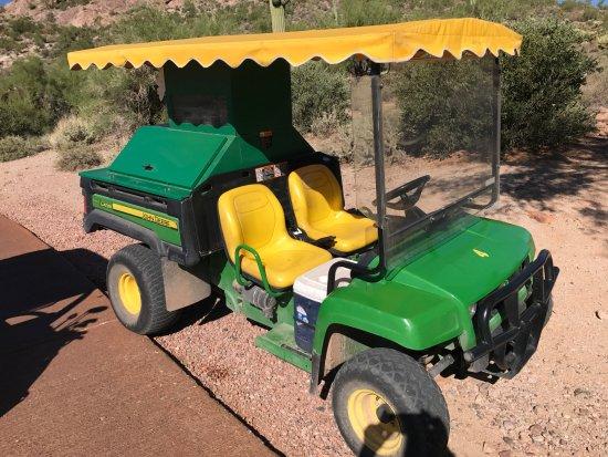 Gold Canyon, อาริโซน่า: A John Deer Beverage cart