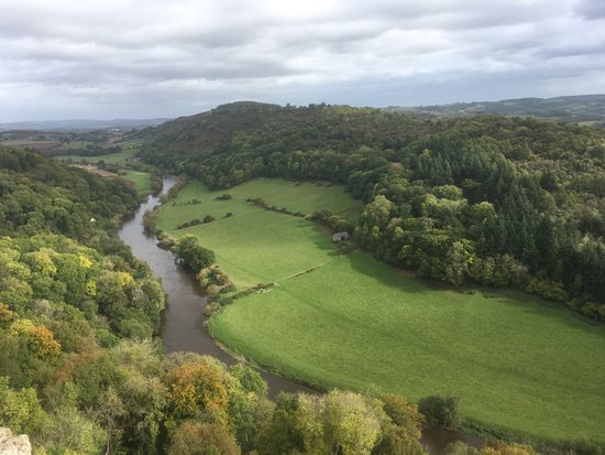 Coleford, UK: More scenic views down into the River Wye Valley