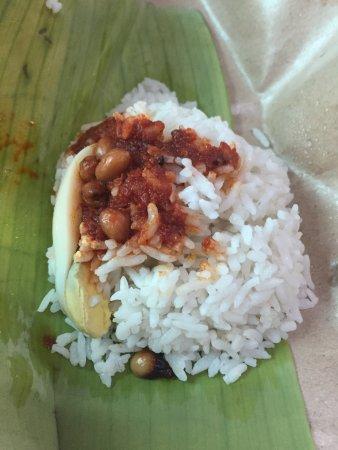 Klebang Kechil, Malaysia: Nasi Lemak Bungkus! The best!