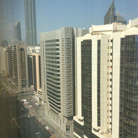 Crowne Plaza Abu Dhabi Photo