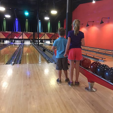 Trumansburg, NY: Kids love to bowl