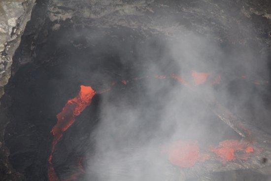 Blue Hawaiian Helicopters - Hilo: Lava pool in Kilauea