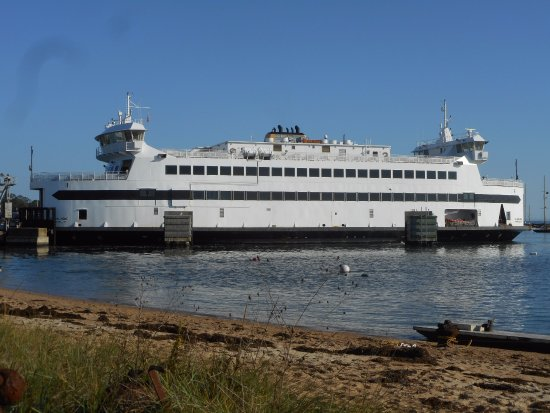 Woods Hole, MA: Island Home Ferry