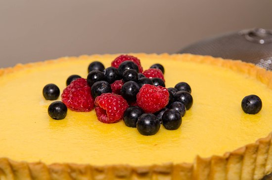 Wairarapa, Nouvelle-Zélande : Our signature dish - Lemon Tart. A real hit amongst the walkers!