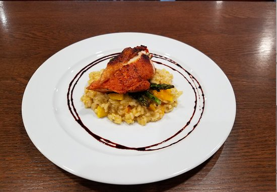 Meaford, Canada: Stuffed Roasted Chicken, butternut squash risotto.
