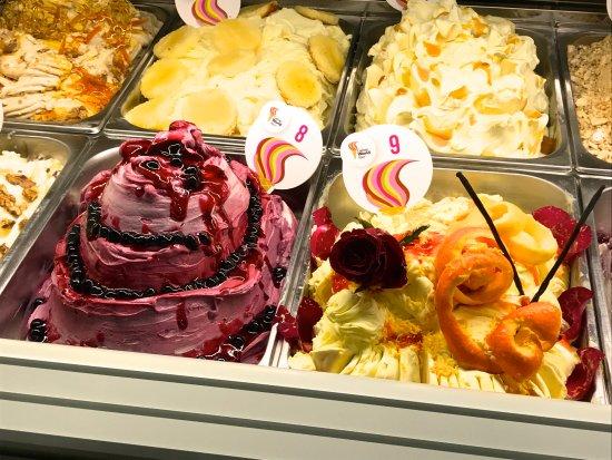 Vilshofen, Alemania: Cappuccini Eiskreation Ramonia macht der Gelato World tour mit....
