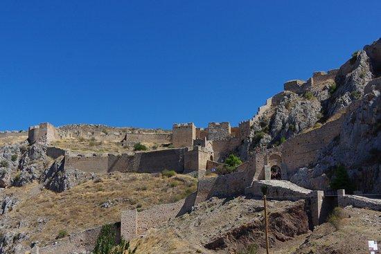 Elysium Travel: Acrocorinthe très belle forteresse