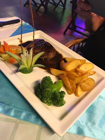 Alaaddin Bistro Steak House: photo2.jpg