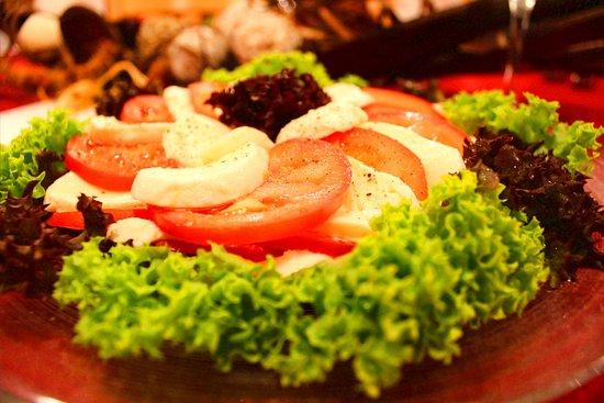 Burglen, Suiza: Bei uns geniessen Sie immer frischen Salat aus der Region