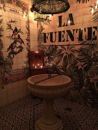 Vicky Barcelona: photo0.jpg