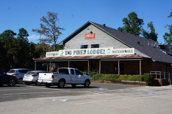 Captain Ron's Swamp Tours: Restaurant and Bar.