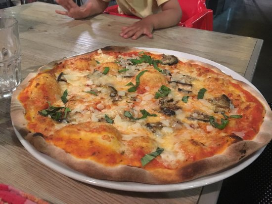 Pizzeria Casavostra: photo0.jpg