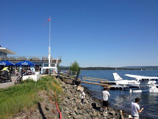 Sjøflyhavna Kro : Selvfølgelig er det sjøfly ved Sjøflykroa! :-)