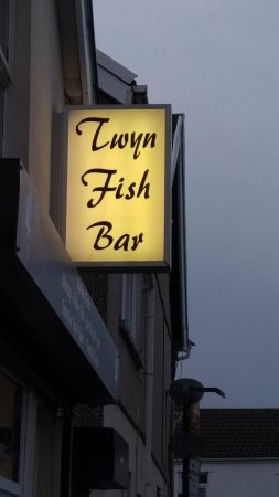 Merthyr Tydfil, UK: Sign in front of the most excellent Twyn Fish Bar