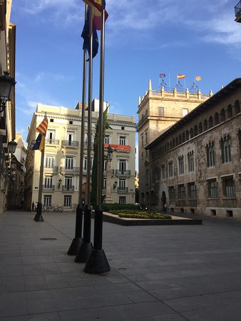 Plaza de manises valencia spain updated 2018 top tips - Nice things valencia ...