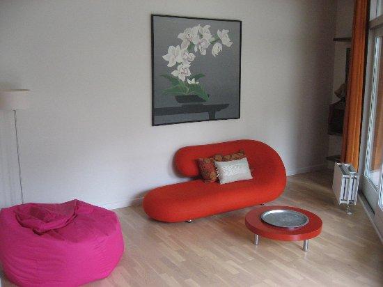 Korsoer, Denmark: De meget lave møbler i suite 130. Ikke egnet til voksne.