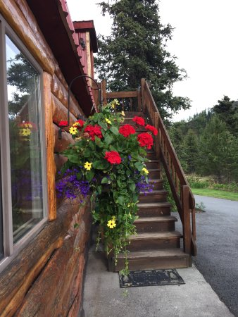 Tundra Rose Guest Cottages: Berries and Blossoms suite is up the stairs.