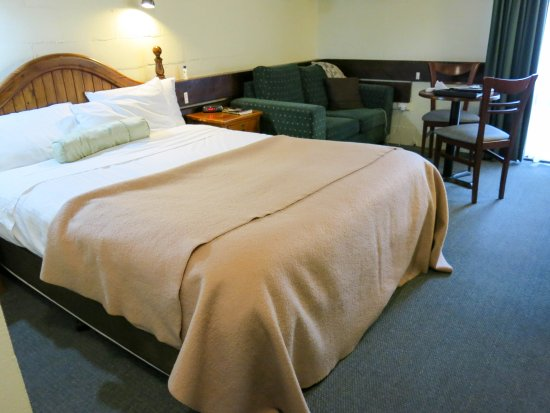 Blackheath Motor Inn: Spacious