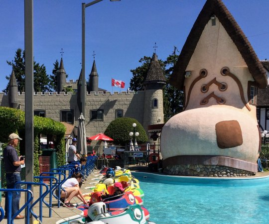 Paradise Fun Park: Don't forget the bumper boats