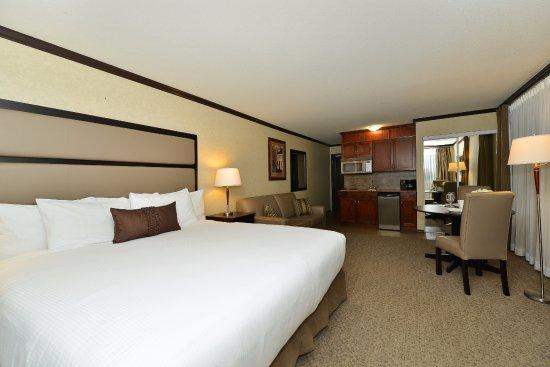Prestige Hotel Vernon: King Kitchenette Room
