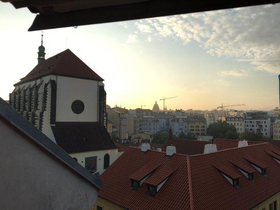 Jungmann: 窓からの景色