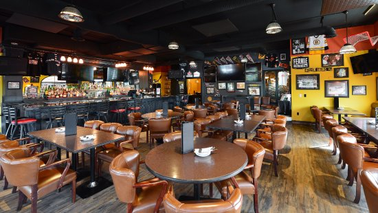 Prestige Rocky Mountain Resort and Convention Centre: Don Cherry's Sports Grill