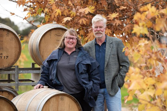 Glossop, Australia: Proprietors Eric & Jenny Semmler will guide you on a tasting adventure.