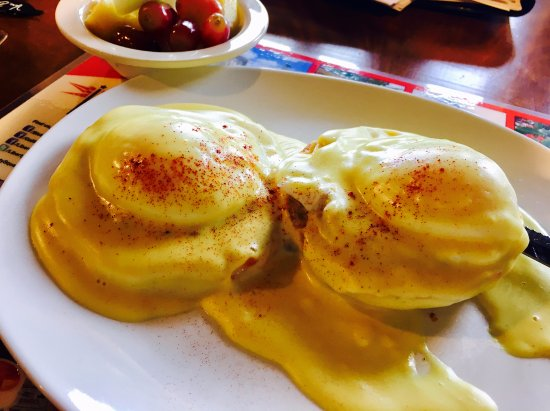 Egg Harbor, WI: Eggs Benedict anyone?