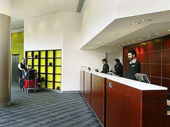 Mercure Perth: Reception