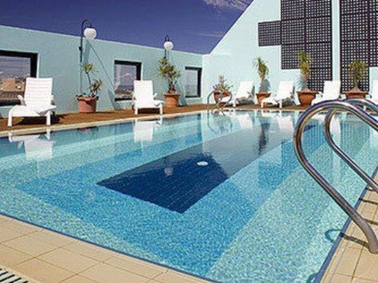 مركيور هوتل بيرث: Pool