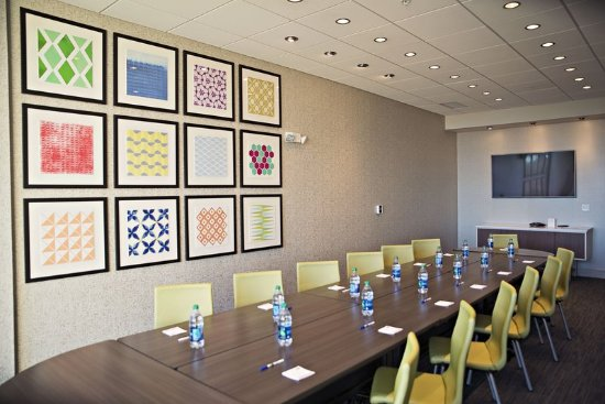 Rantoul, IL: Flexible Board Room or Classroom Style Settings for 10-30 People