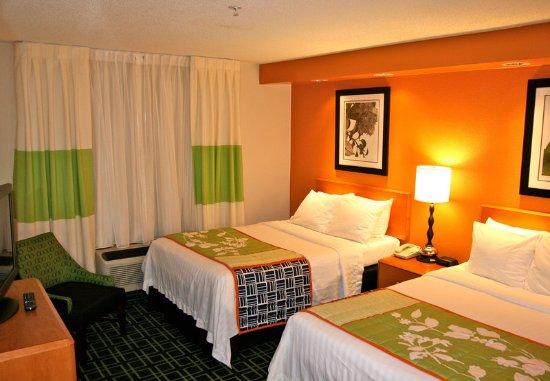 Austintown, OH: Double Double Guest Room