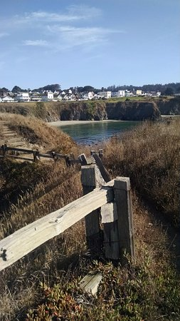 Beach House Inn : View of the town of Mendocino from the bluffs