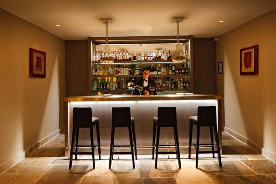 Relais & Chateaux - Hostellerie de Levernois: Levernois Bar