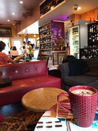 Caffespresso: A sip of heaven, wine bar and a lending library!