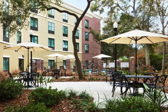 Holiday Inn Express Hotel & Suites Mt Pleasant-Charleston: Outdoor Patio
