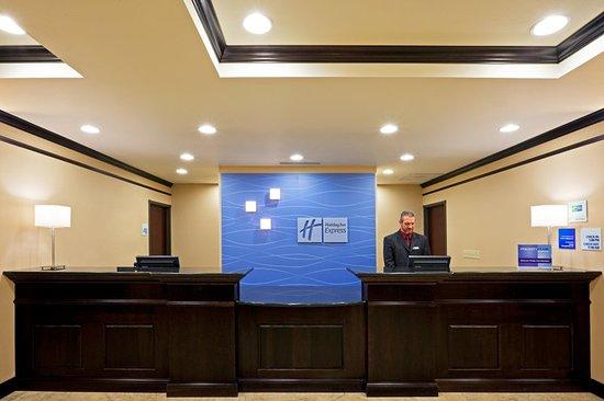 Cicero, NY: Front Desk