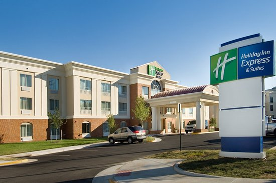Holiday Inn Express & Suites Alexandria-Fort Belvoir: Holiday Inn Express Alexandria - Ft. Belvoir Entrance