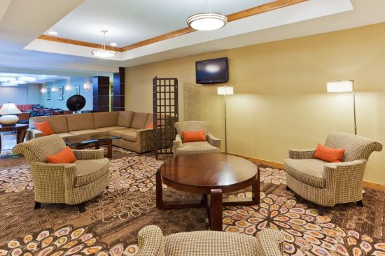 Holiday Inn Express & Suites Alexandria-Fort Belvoir: Hotel Lobby